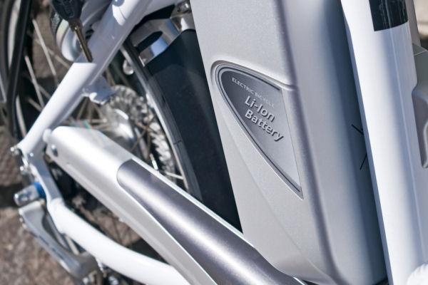 Elektrische fietsen: het al dan niet verzekeren en/of inschrijven ervan. Een handig overzicht vindt u hier.